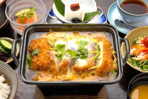 田むら銀かつ亭の豆腐かつ煮御膳