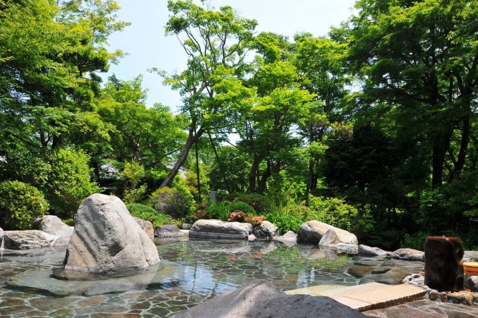 吉池旅館の庭園露天風呂(殿方)