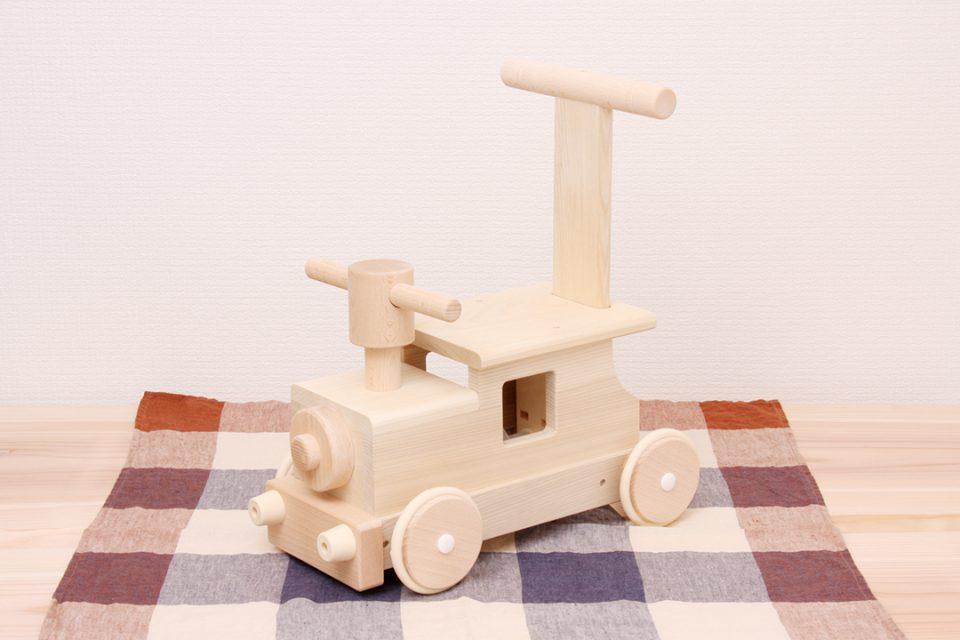 かまくら富士商会の木製電車