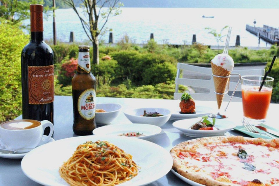 芦ノ湖テラスのピッツァとワイン