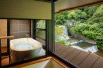 ホテルおくゆもとの露天風呂付き客室1