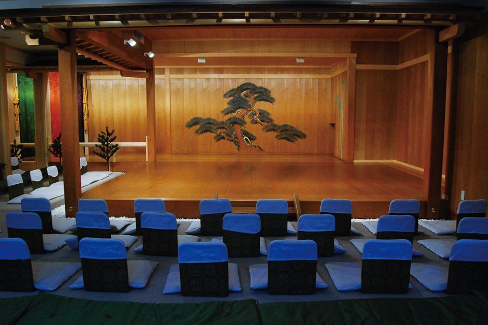 鎌倉能舞台の舞台