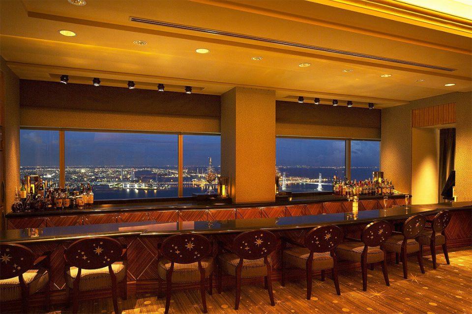 横浜ロイヤルパークホテルバーカウンター