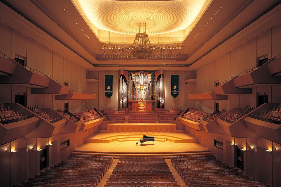 横浜みなとみらいホールのコンサートホール。