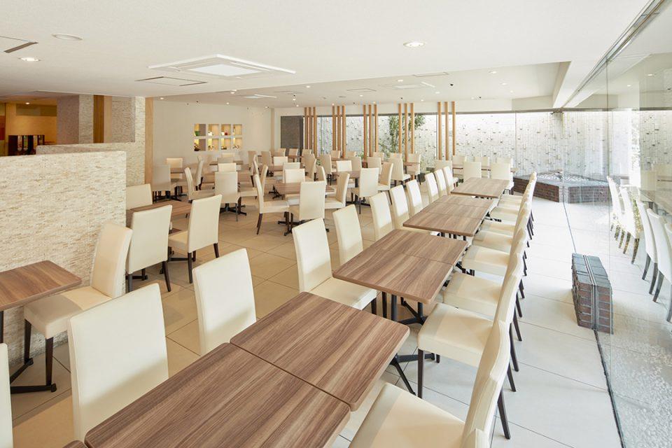 ホテルマイステイズ横浜の食事スペース