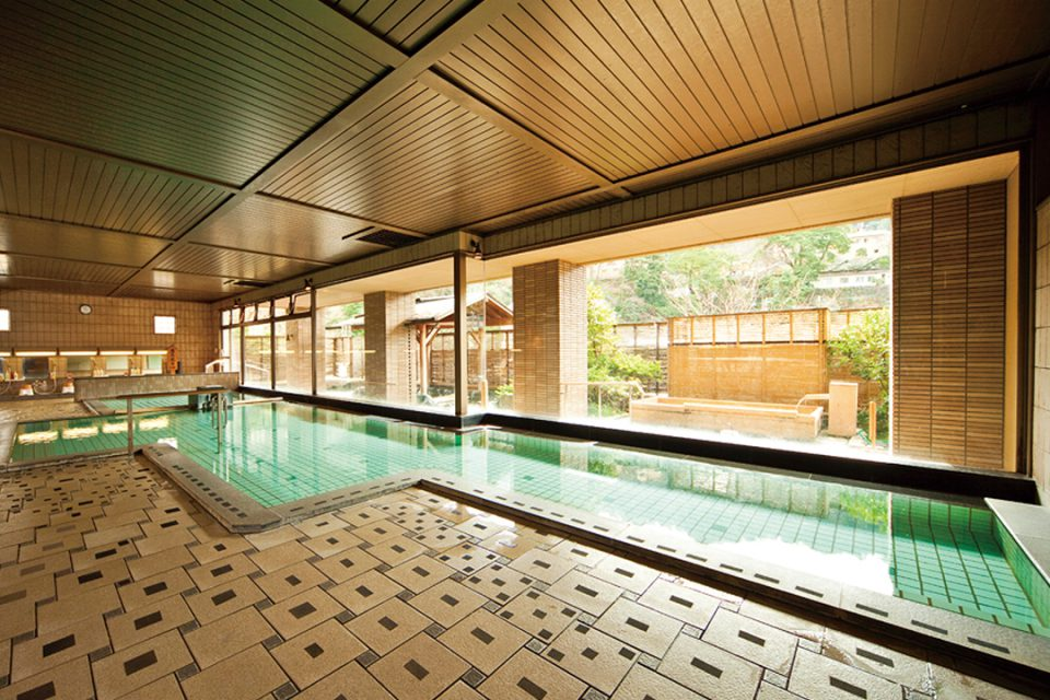 ホテル河鹿荘の大浴場