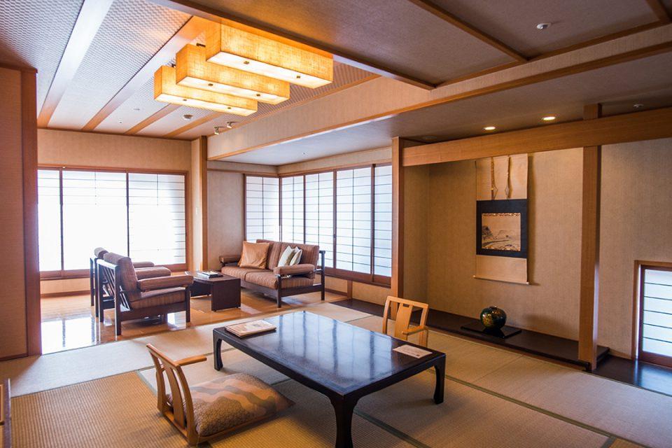 ホテル河鹿荘の客室