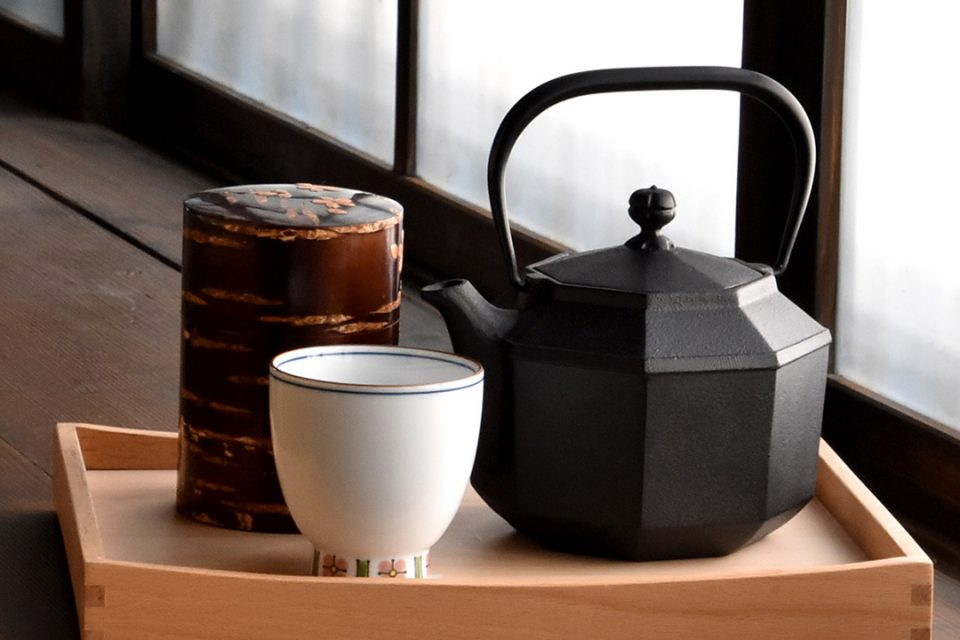 小田原江嶋の茶筒と急須