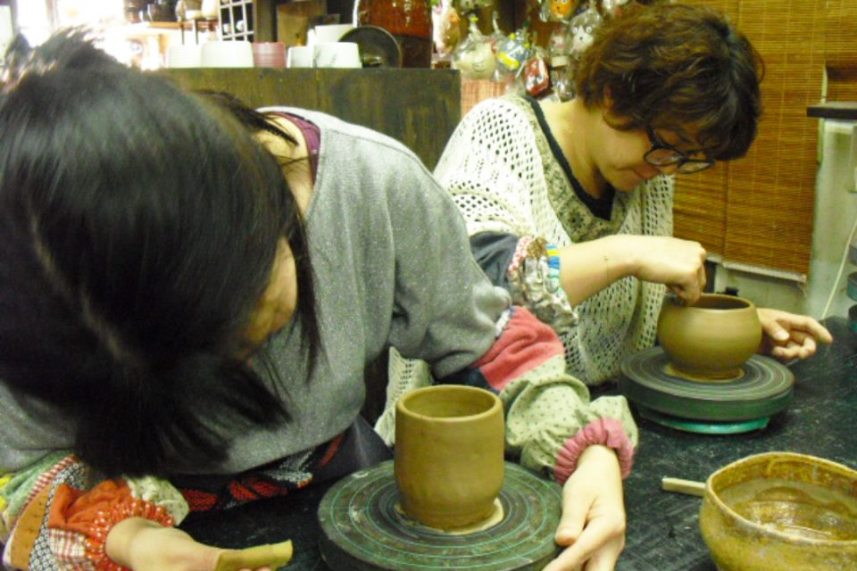 手づくり工房一の蔵の陶芸体験の様子