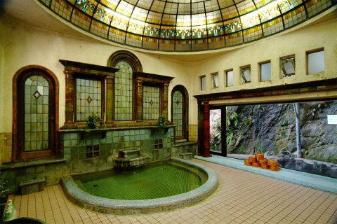 岩本楼のローマ風呂