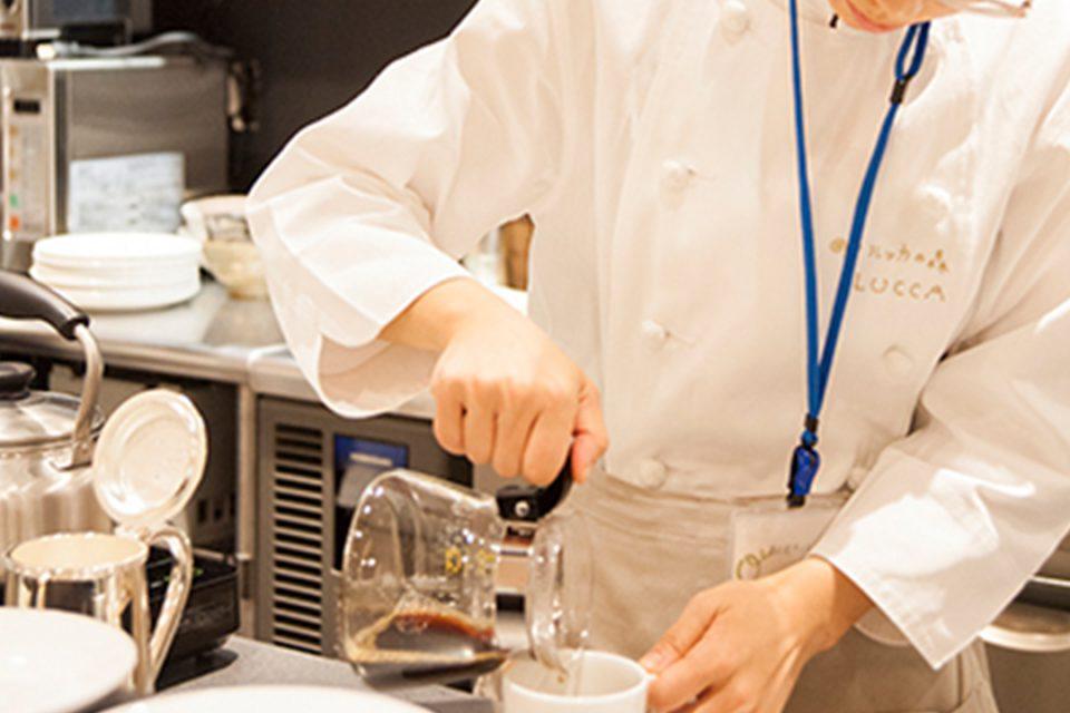 ムーンカフェのハンドドリップで淹れるコーヒー2