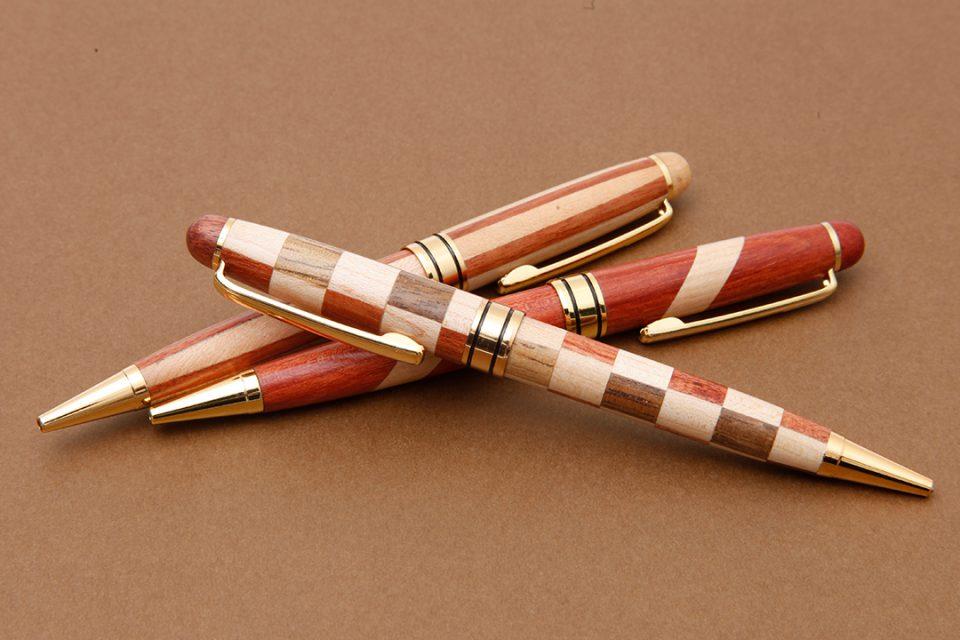 おみやげこばやしの寄木細工ボールペン