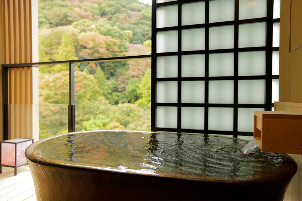月の宿紗らの客室露天風呂