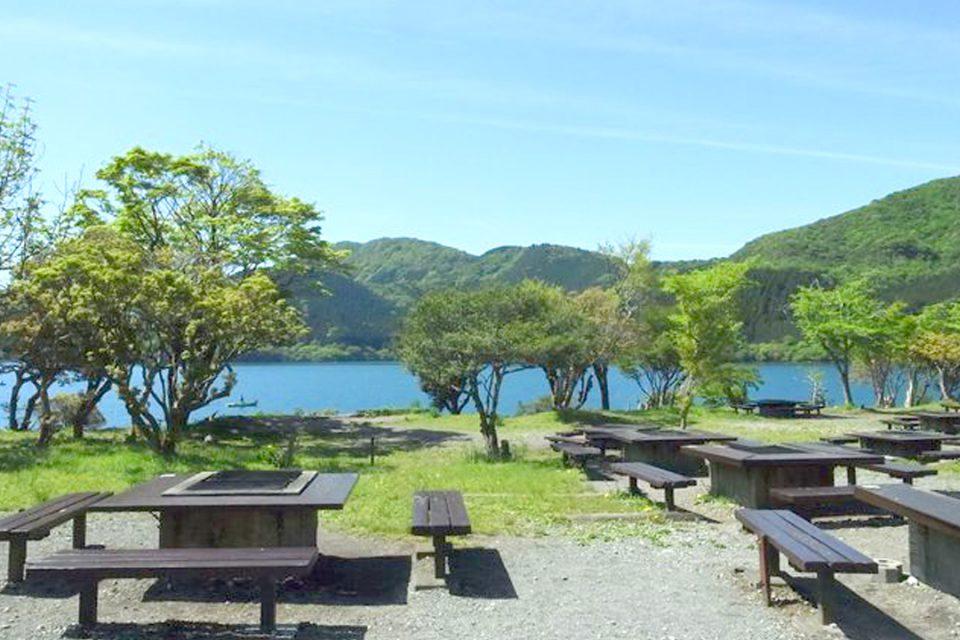 芦ノ湖キャンプ村でアウトドアウェディング