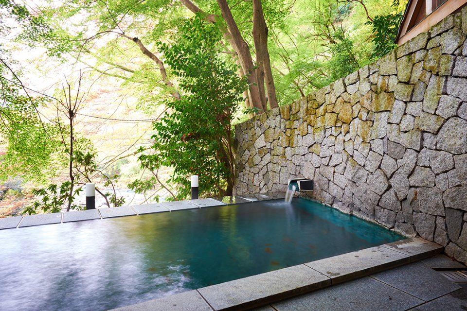 環翠楼本館の露天風呂