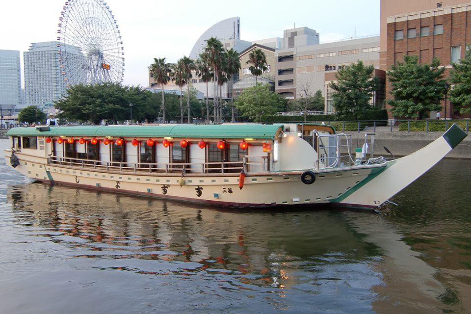 屋形船すずよしの船