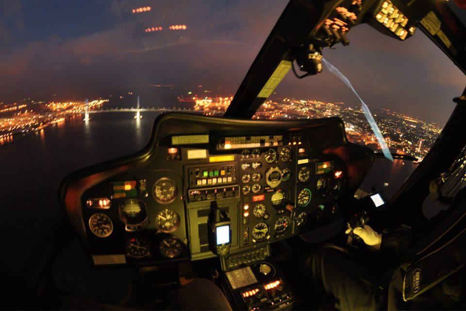 ヘリクルーズから眺める横浜の夜景1