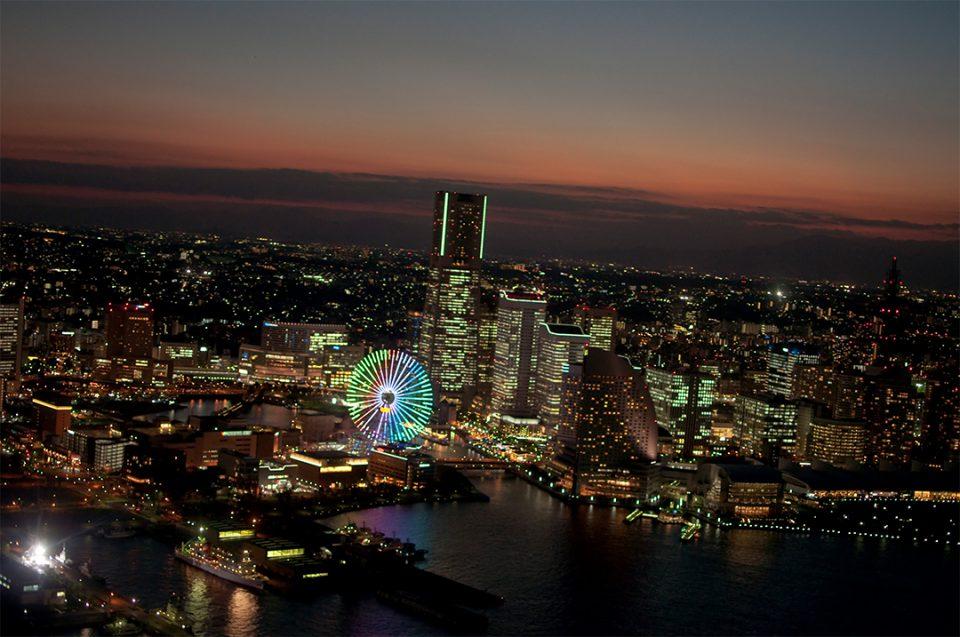 ヘリクルーズから眺める横浜の夜景2