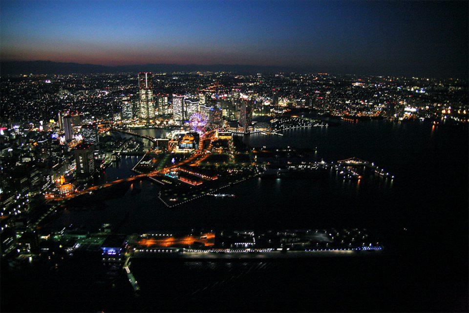 ヘリクルーズから眺める横浜の夜景3