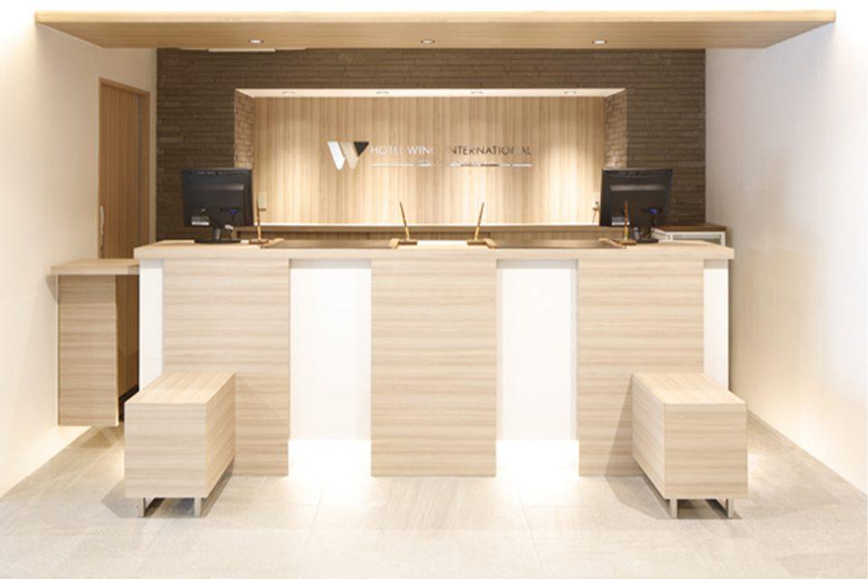 ホテルウィングインターナショナル横浜関内のフロント