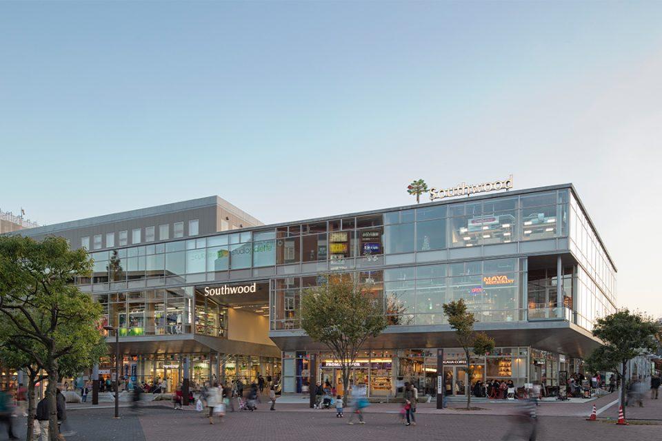 山安港北店の外観2
