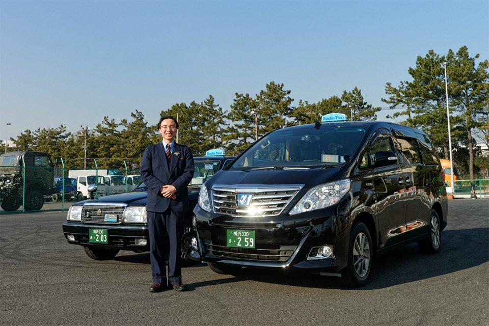 大栄交通のタクシーと運転手3