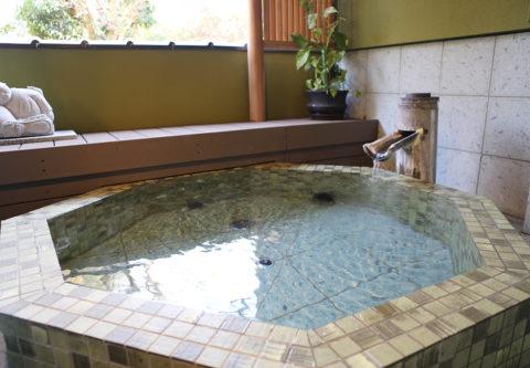 ますとみ旅館の八角風呂
