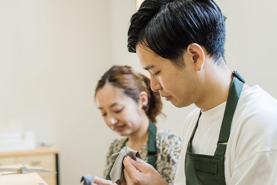 横浜元町彫金工房で指輪を作る様子1
