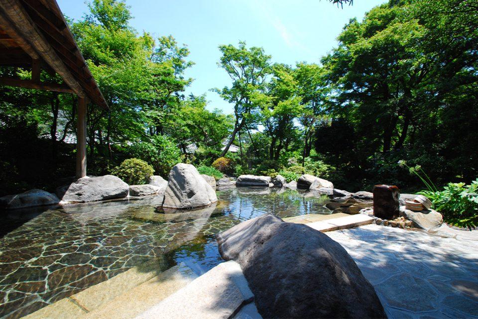 吉池旅館の殿方庭園露天風呂