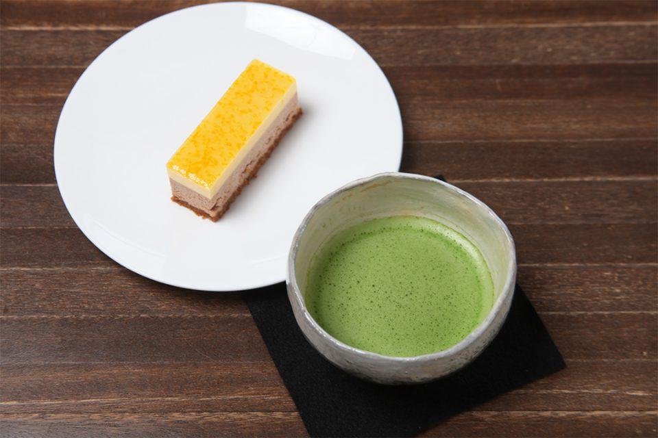 オカシ0467のケーキと抹茶
