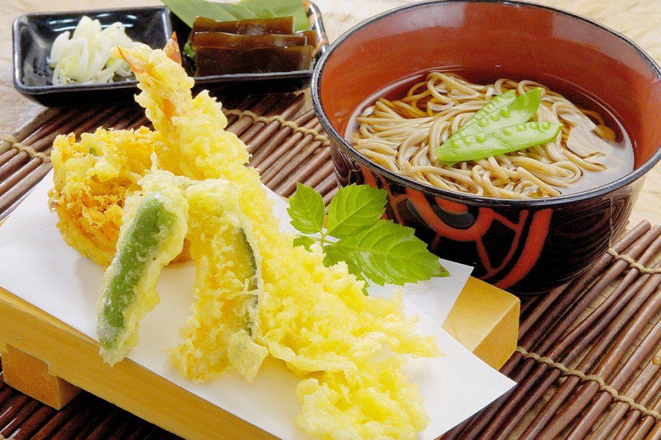 穂し乃庵の天ぷらと蕎麦