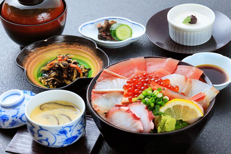 レストラン有磯の海鮮丼