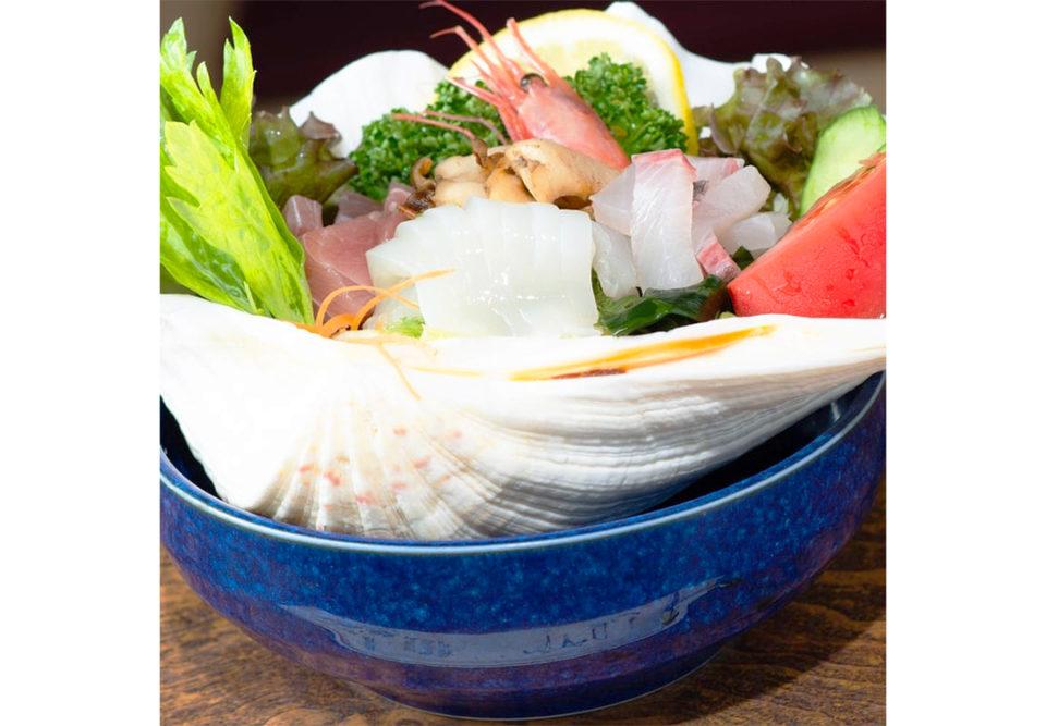 魚見亭の海の幸のサラダ