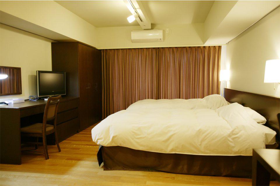 新横浜フジビューホテルの客室1
