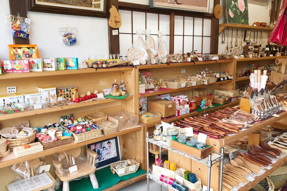 かまくら富士商会の内観