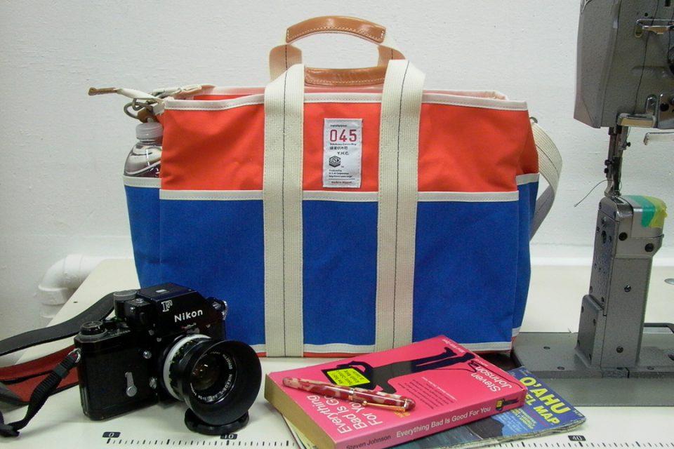 横濱帆布鞄万国橋本店のコンテナキャリーバッグ