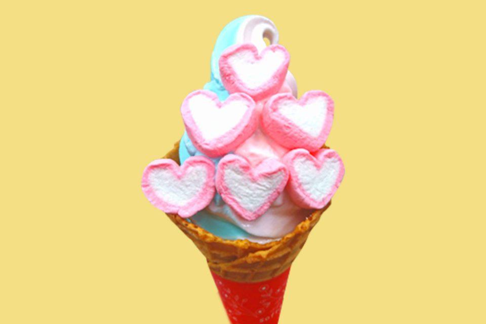 いも吉館小町通り店のマシュマロソフトクリーム