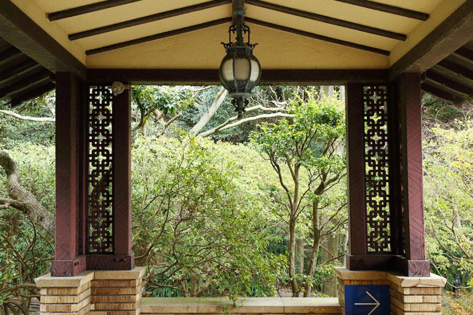 鎌倉文学館の門