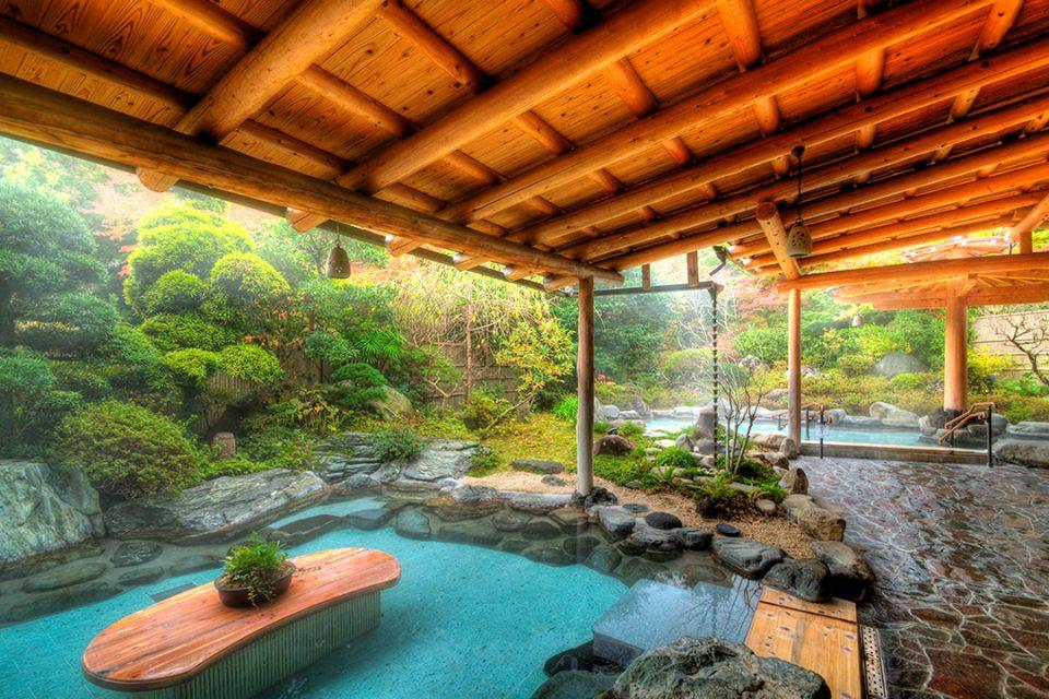吉池旅館の御婦人庭園露天風呂