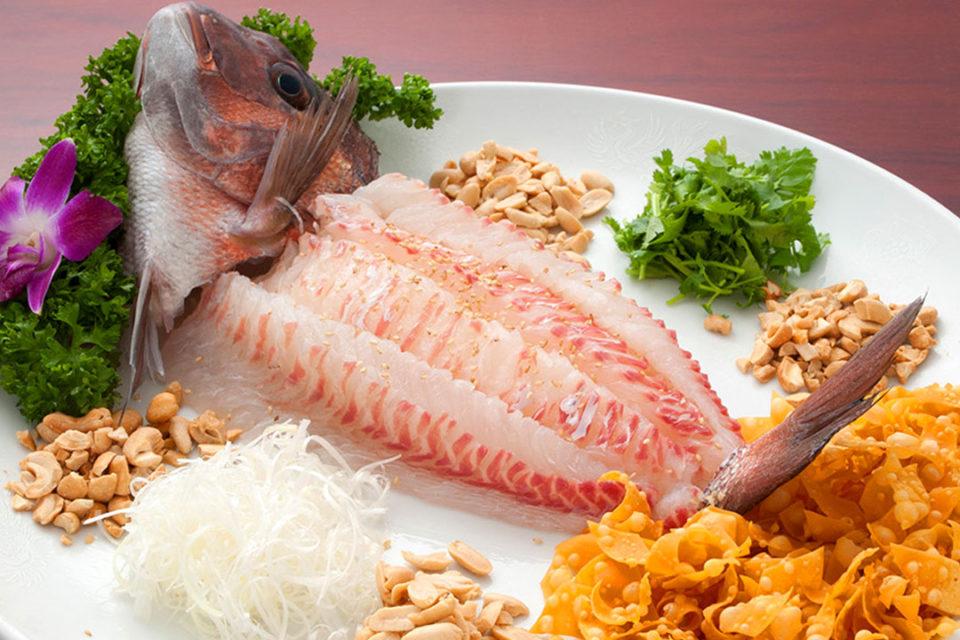 三和楼の鯛の中国風刺身