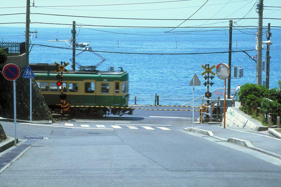 江ノ電と海