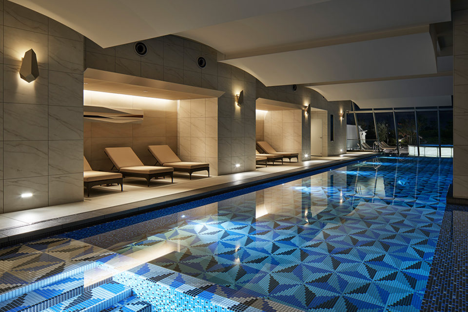 ザカハラホテル&リゾート横浜のインドアプール