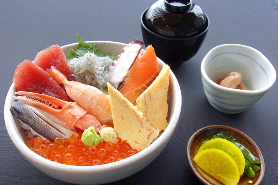 貝作の海鮮丼