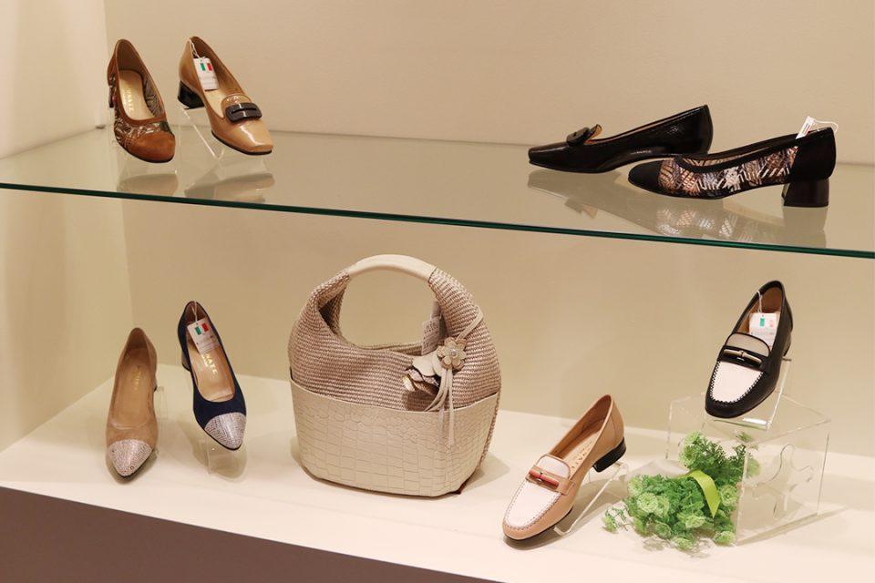 鎌倉靴コマヤ本店のレディース靴1