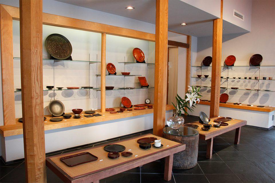 鎌倉彫博古堂の内観