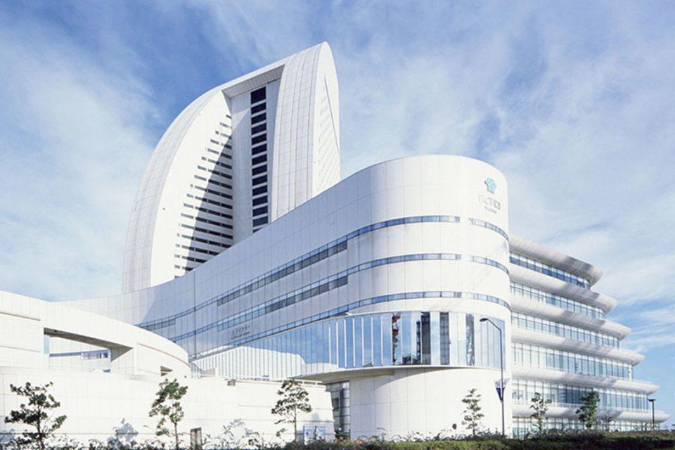 パシフィコ横浜の会議センター外観