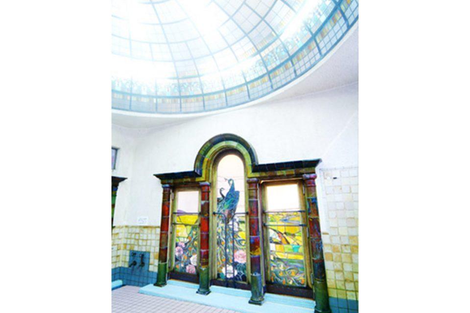 岩本楼のローマ風呂のステンドグラス
