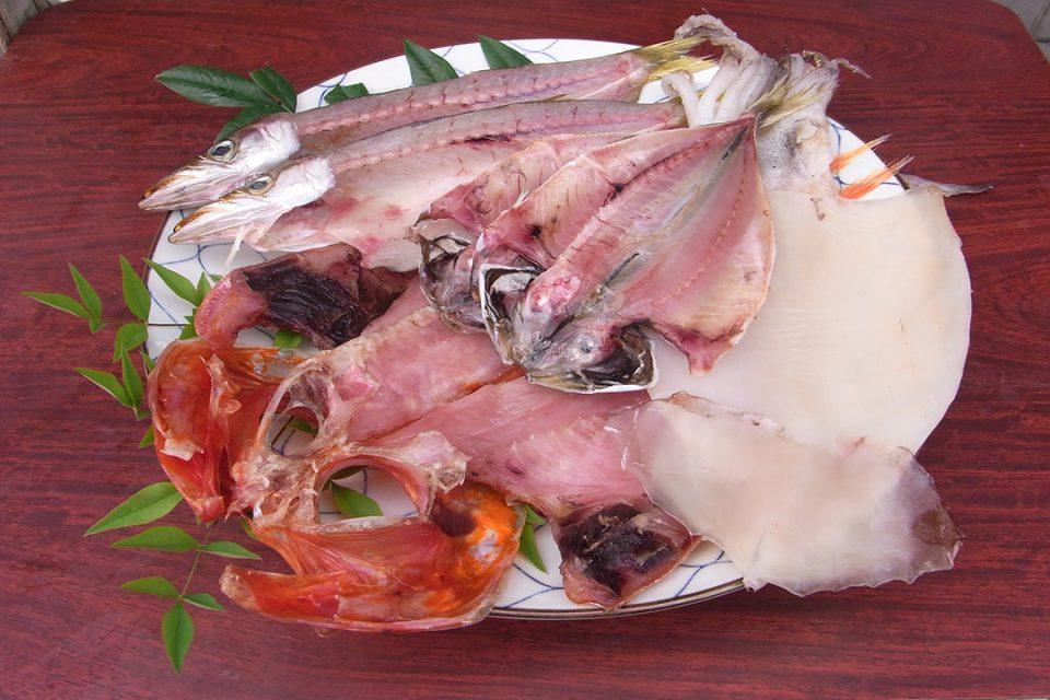 魚三商店のひものイメージ3