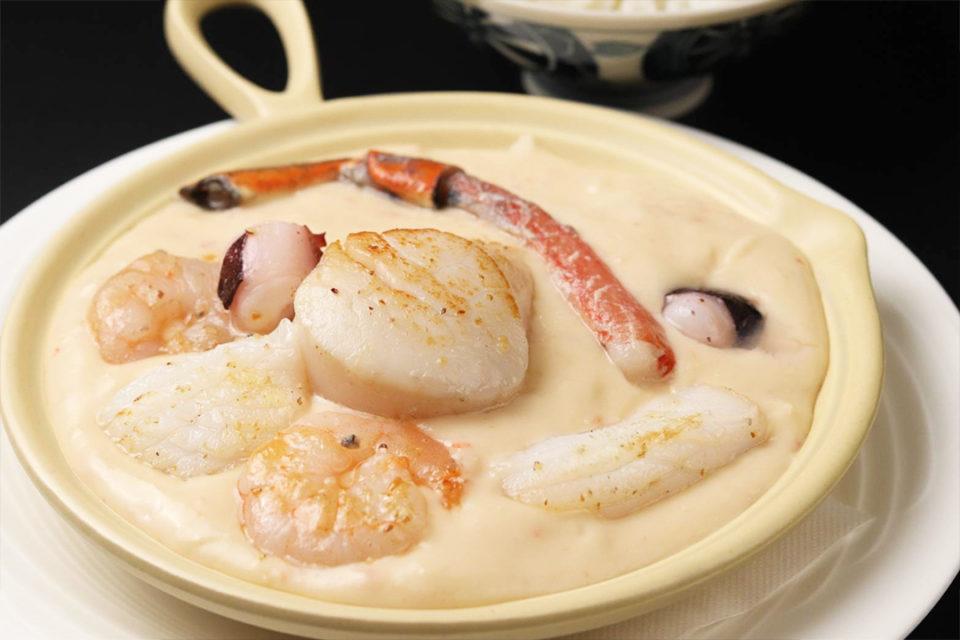 銀座古川の魚介類のクリームシチュー
