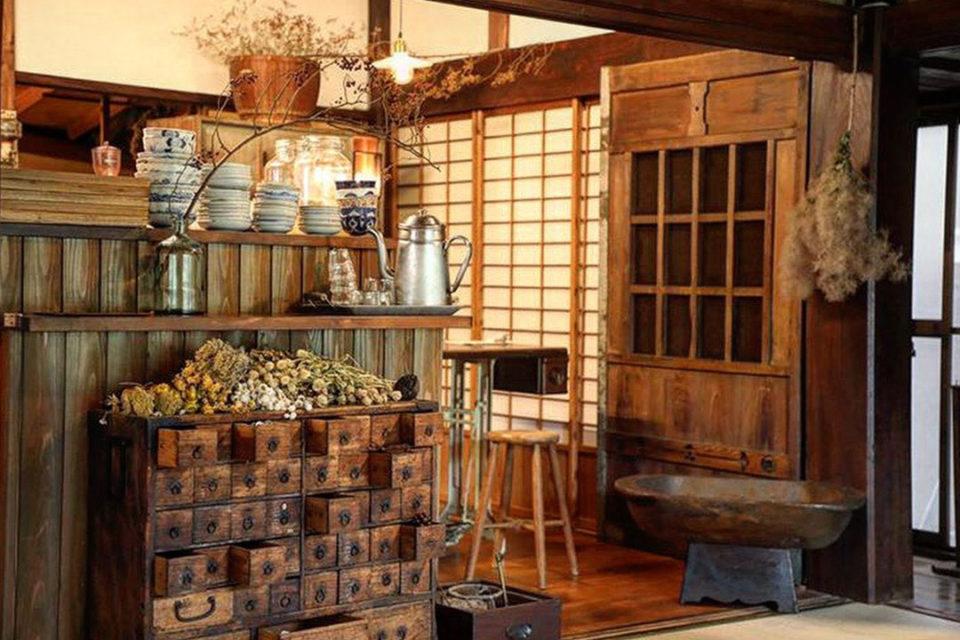 燕カフェの店内2